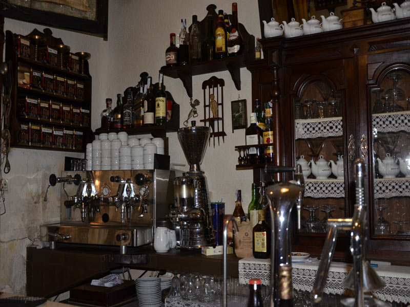 barra del café Ajenjo